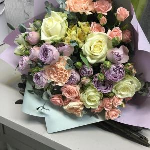 Букет цветов. Роза, гвоздика, альстромерия.