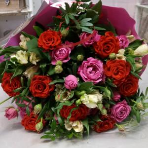 Букет цветов Розы, альстромерия