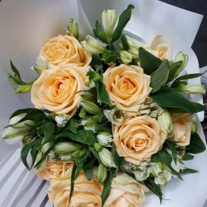 Букет цветов  Роза, альстромерия