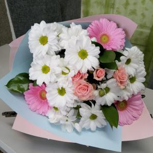 Букет цветов Гербера, хризантема кустовая