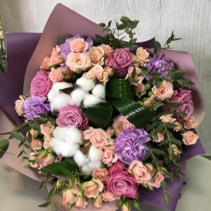 Букет цветов  Розы, гвоздика.