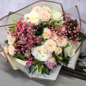 Букет цветов. Роза, альстромерия.