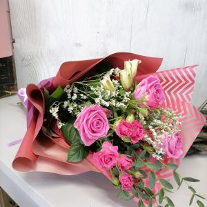 Букет цветов Роза, альстромерия.