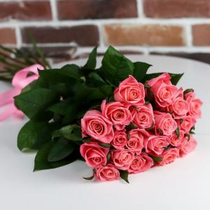 Букет цветов Роза Карина 60 см 19 шт.